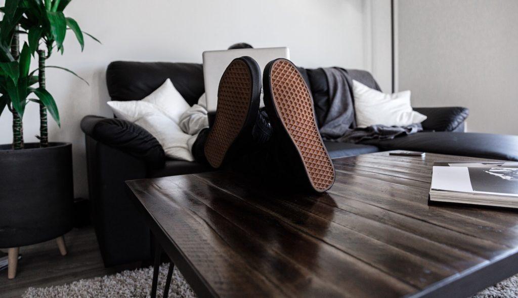 Homeoffice einrichten mit den richtigen Möbeln und passenden Tools